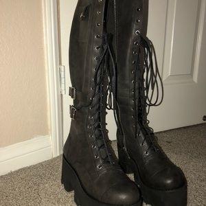 f890ac31c3ab9 Dolls Kill Shoes - current mood jane doe boots